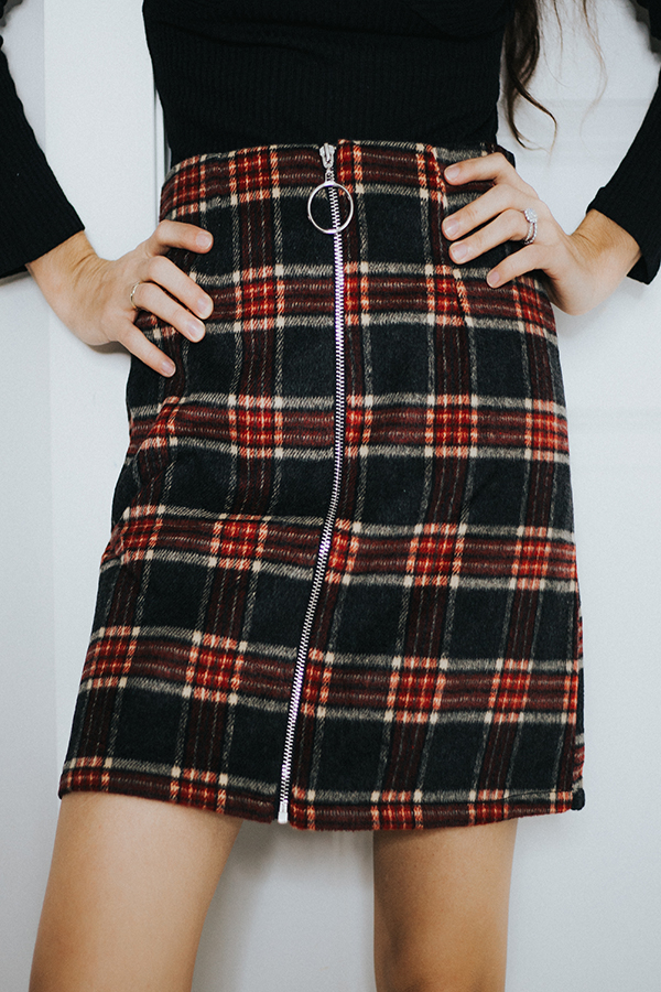 – PLAID SKIRT. WINTERS FAVORITE PATTERN, PLAID. THIS ZIP UP PLAID SKIRT IS EVERY GIRLS MUST NEEDED PIECE FOR THE SEASON.