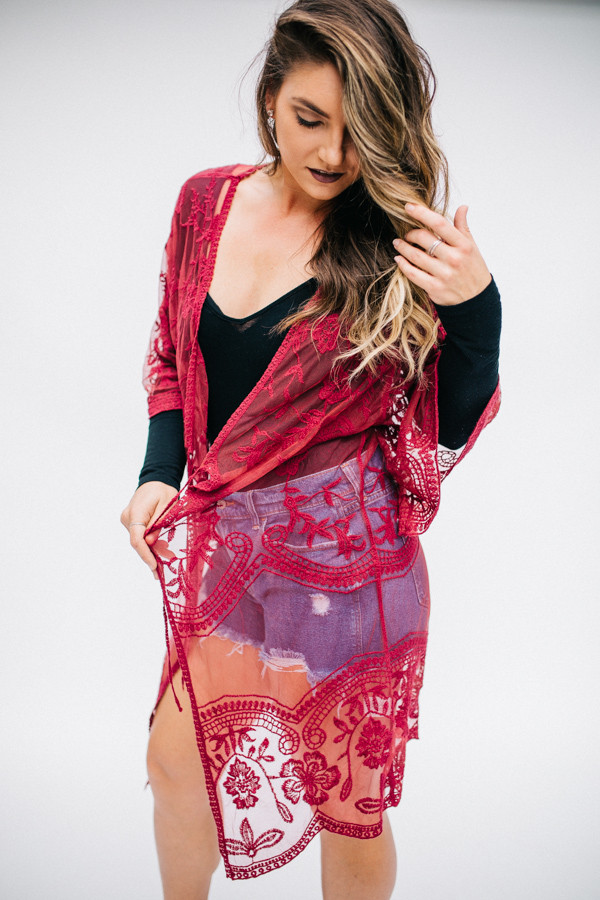 LIGHTWEIGHT LACE KIMONO. KNEE LENGTH. BURGUNDY COLOR. 100% COTTON.  ONE SIZE