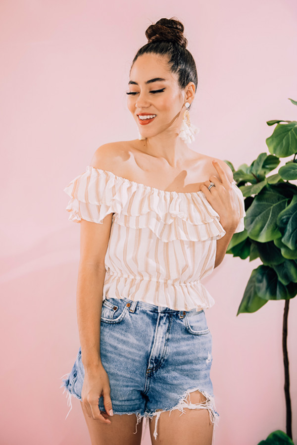 """CREAM AND TAN STRIPED SHORT SLEEVE CROP TOP WITH RUFFLE DETAIL AT TOP AND BOTTOM. MODEL INFO: PIPER – SIZE 0, 5'5"""" WEARING A SMALL. NIKI – SIZE 14, 5'4"""", WEARING A LARGE. 100% POLYESTER SMALL 0-4 MEDIUM 6-10 LARGE 12-14"""