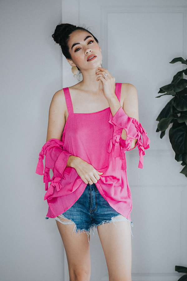 SOLID CRINKLED OPEN-SHOULDER TOP WITH A  SELF TIE DETAIL ON SLEEVES.  SLIGHTLY SHEER- WOVEN.  100% RAYON SMALL 2-6   MEDIUM 8-10  LARGE 10-12