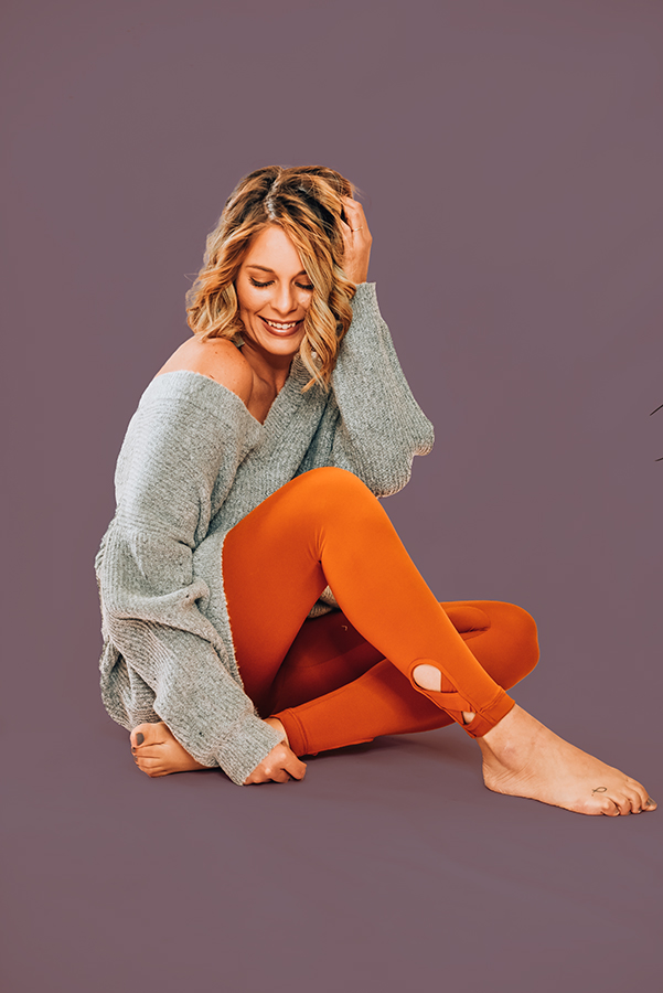 ZEN – COPPER – LEGGINGS THE SOFTEST LEGGINGS EVER. COPPER, HIGHWAISTED CRISS CROSS HEM LEGGINGS. AVAILABLE IN TWO COLORS, COPPER AND BLACK. 95% POLYESTER, 5% SPANDEX. AMANDA IS 5'6, SIZE 2, WEARING A SMALL. S 0-4 M 6-10 L 10-14 XL 14-16