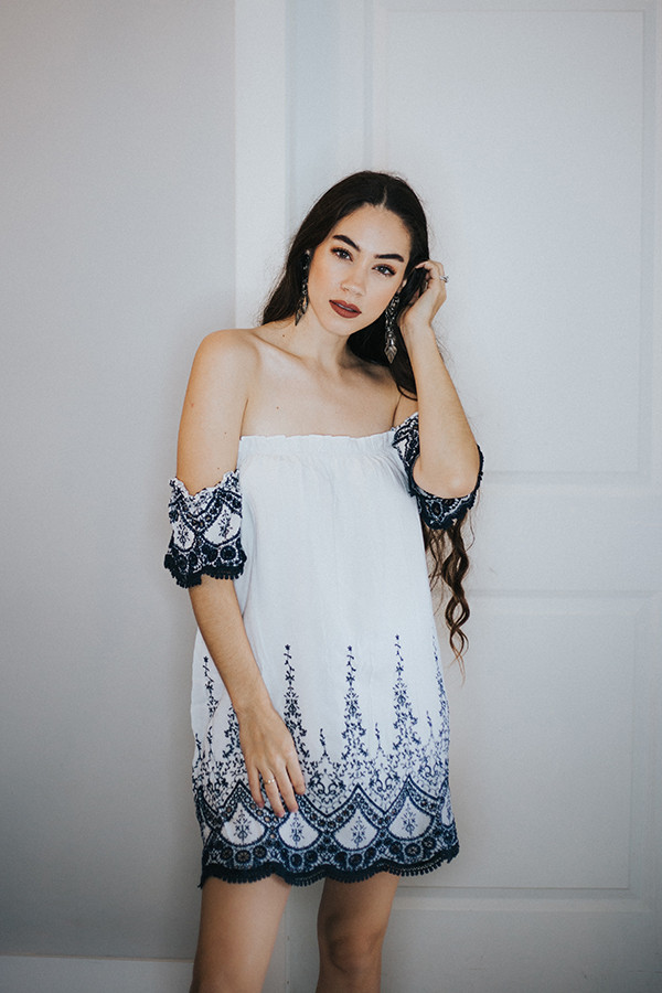 OFF WHITE OFF THE SHOULDER TUNIC/DRESS WITH SHORT SLEEVES AND EMBROIDERY CUT OUT DETAIL. LINED.  100% RAYON.  SMALL 0-4  MEDIUM 6-8  LARGE 8-10