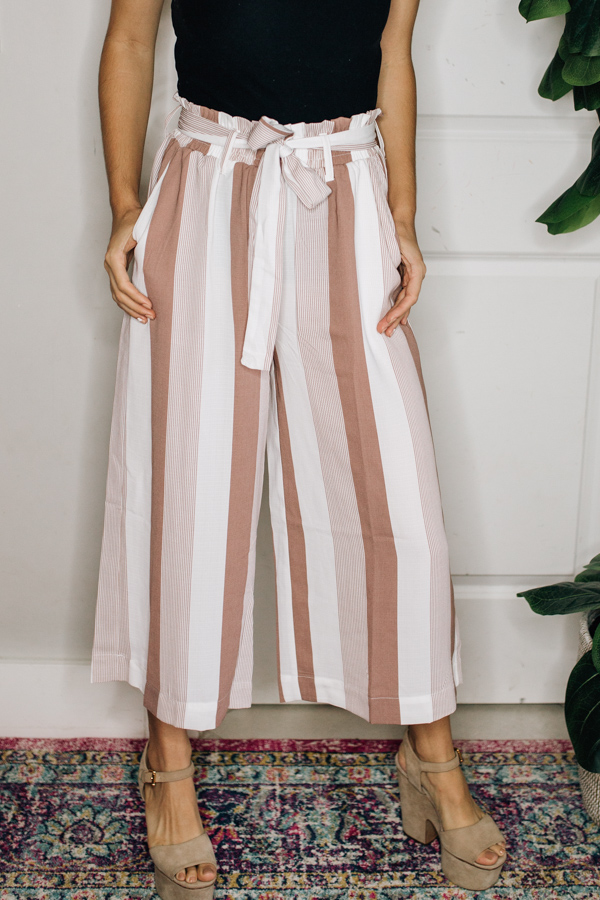 WIDE LEG STRIPED PANTS WITH POCKETS   AND PAPER BAG WAIST AND TIE. 100% POLYESTER.  SMALL 0-4 MEDIUM 6-10 LARGE 12-14