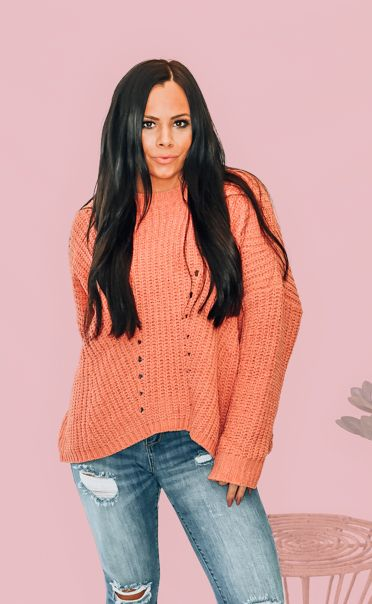 CLAY OVERSIZED CHUNKY KNIT SWEATER. 100% POLYESTER. STEPHANIE IS 5'1 SIZE 4, WEARING A SMALL. M 6-12 L 12-16