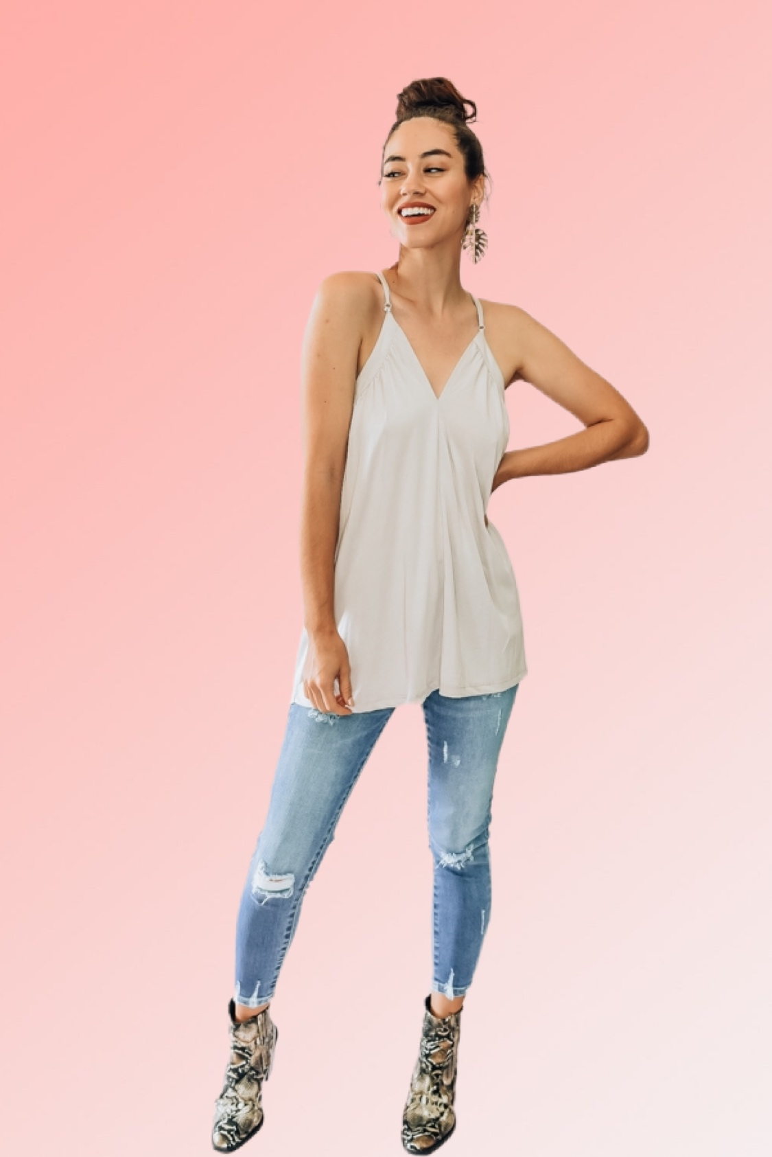 SLEEVELESS, RELAXED FIT, HALTER BACK HOOK CAMISOLE. AVAILABLE IN TWO COLORS – SHELL AND OLIVE. 73% BAMBOO, 27% POLYESTER. PIPER IS 5'4, SIZE 0 WEARING A SMALL, BACKWARDS. NIKI IS A SIZE 14, WEARING A LARGE. S 0-6 M 6-12 L 12-18