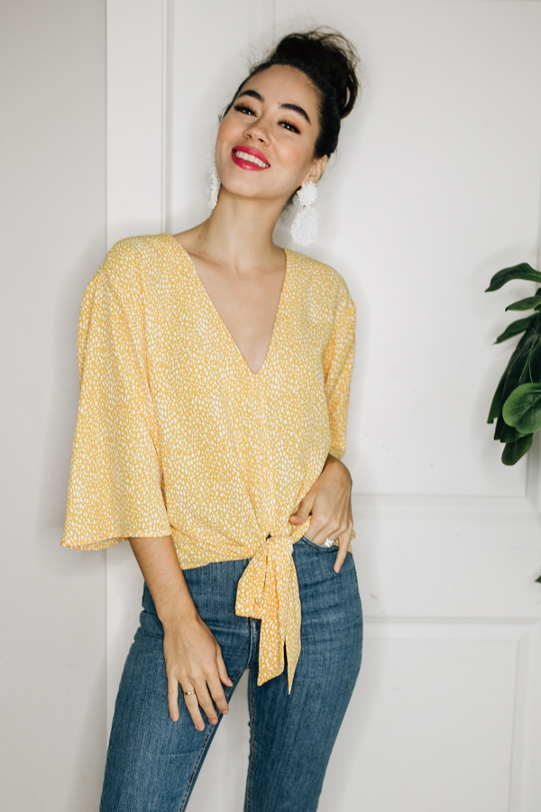 Image for CAMI - YELLOW V-NECK TOP