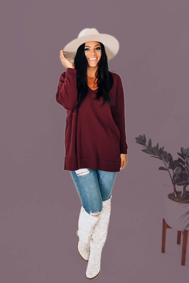 WINE COLORED OVERSIZED LIGHTWEIGHT WAFFLEK KNIT VNECK TUNIC TOP. 65% POLYESTER 30% RAYON 5% SPANDEX. AMANDA IS 5'6 WEARING A SMALL. S 0-4 M 6-10 L 12-16 XL 16-18