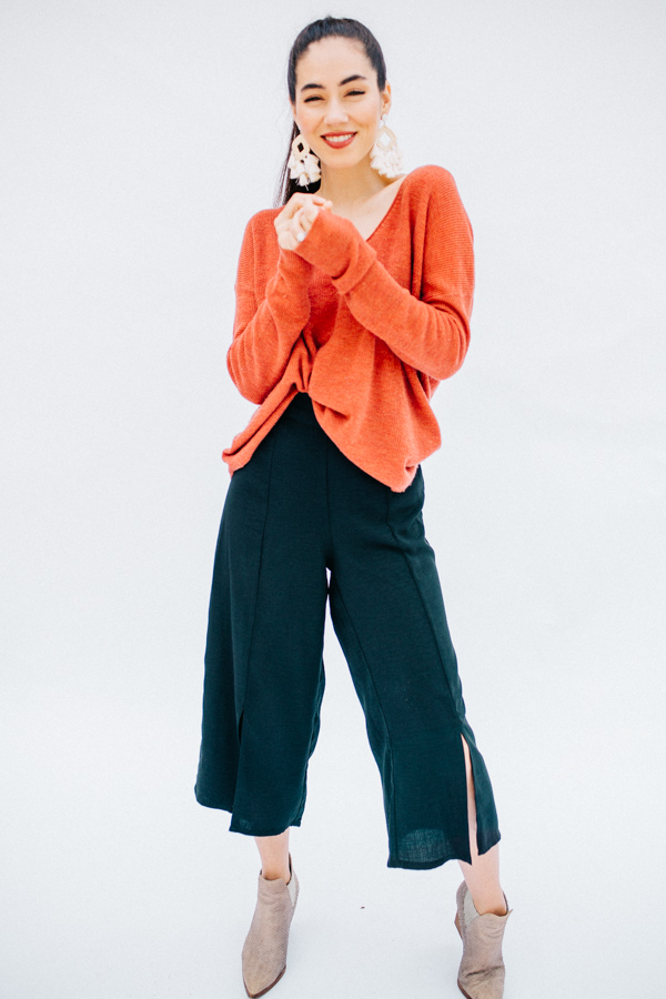 WIDE LEG PANTS WITH SLITS END ELASTIC WAIST. 100% POLYESTER.  X-SMALL 0-2 SMALL 4-6 MEDIUM 8-10 LARGE 12-14 X-LARGE 16-18