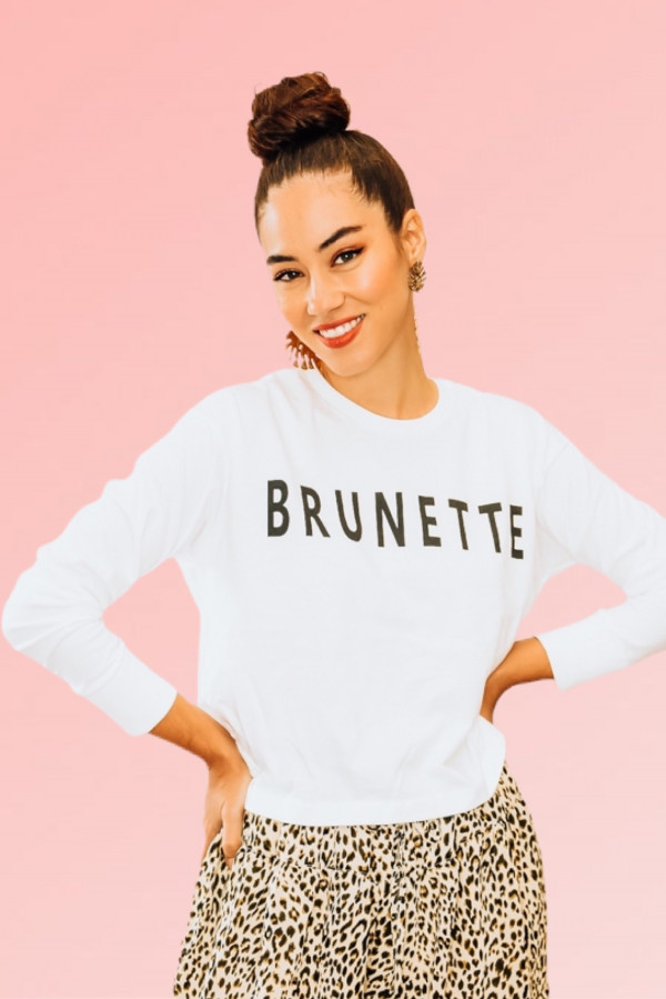 """""""BRUNETTE"""" WHITE CROPPED, LONG SLEEVE GRAPHIC TEE. DROPPED SHOULDER AND RIPPED CUFF. 100% COTTON. PIPER IS 5'4 SIZE 0, WEARING SMALL. NIKI IS SIZE 14, WEARING A LARGE.  S 0-4 M 4-8 L  8 -12"""