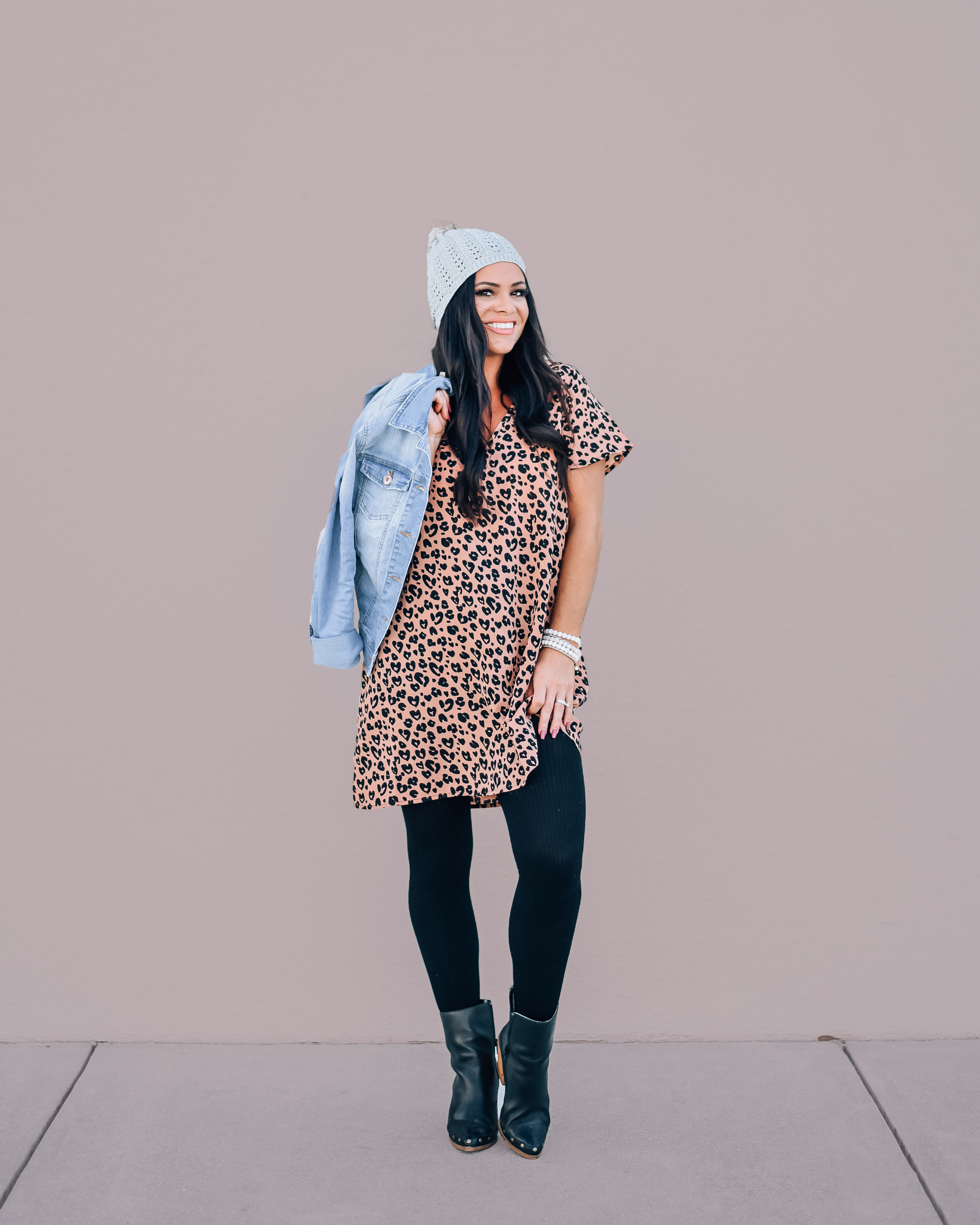 """BLUSH LEOPARD SHORT SLEEVE TUNIC DRESS. 100% POLYESTER. PIPER IS 5'4"""", SIZE 0, WEARING A SMALL. NIKI IS SIZE 14, WEARING AN XLARGE. XS 0-2 S 4-6 M 8-10 L 10-12 XL 12-14"""