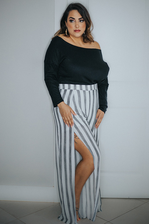 BLACK/WHITE STRIPE PANT WITH SLIT OPENINGS ON SIDES. 100% RAYON 1X-  14-16  2X - 18-20  3X 22-24