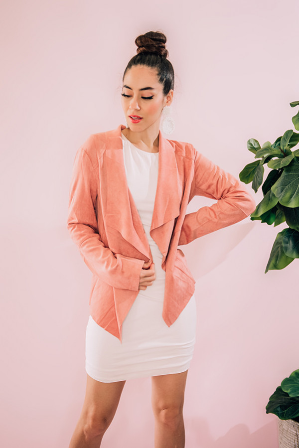 """BLUSH COLOR BLAZER. MODEL INFO: PIPER – SIZE 0, 5'5"""" WEARING A SMALL. NIKI – SIZE 14, 5'4"""", WEARING A LARGE. 92% POLYESTER, 8% SPANDEX SMALL 0- 4 MEDIUM 6-10  LARGE 12-14"""